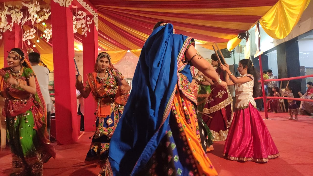 Colours of tradition splash Gujarati Brahm Samaj this Navratri Dance