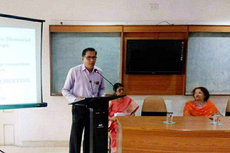 Parent-teacher meet at Dharampeth M.P.Deo memorial Science College