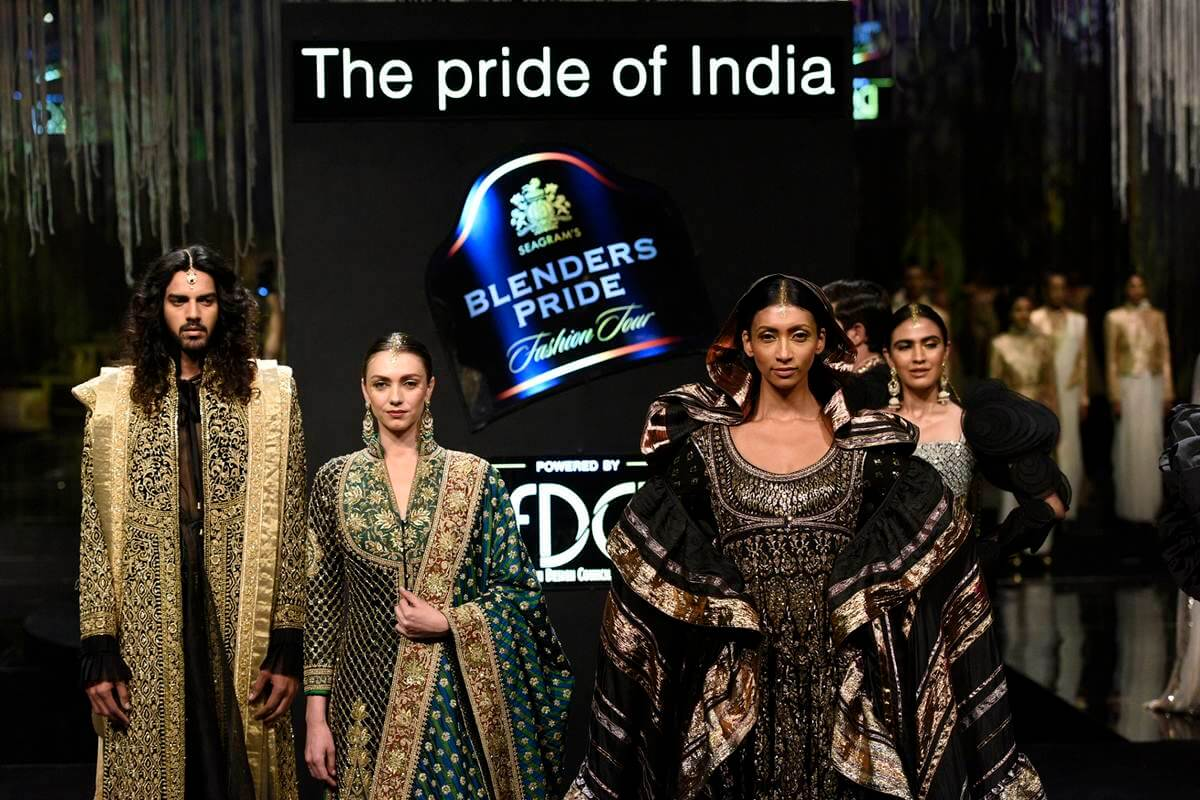 Blenders Pride Fashion Tour 2019 20 Powered By Fashion Design Council Of India Culminates With A Larger Than Life Finale In Mumbai The Live Nagpur